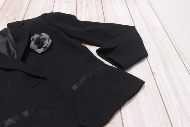 黒 ジャケット