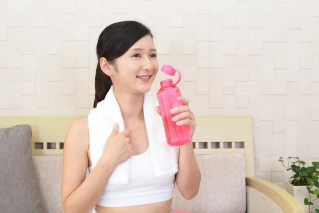 女性 ダイエット 水分補給