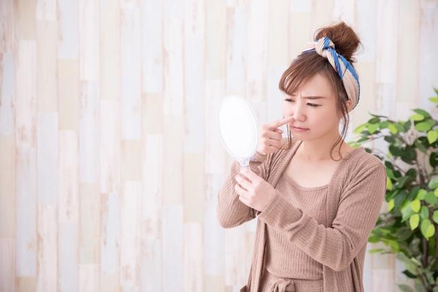 女性 鏡 鼻